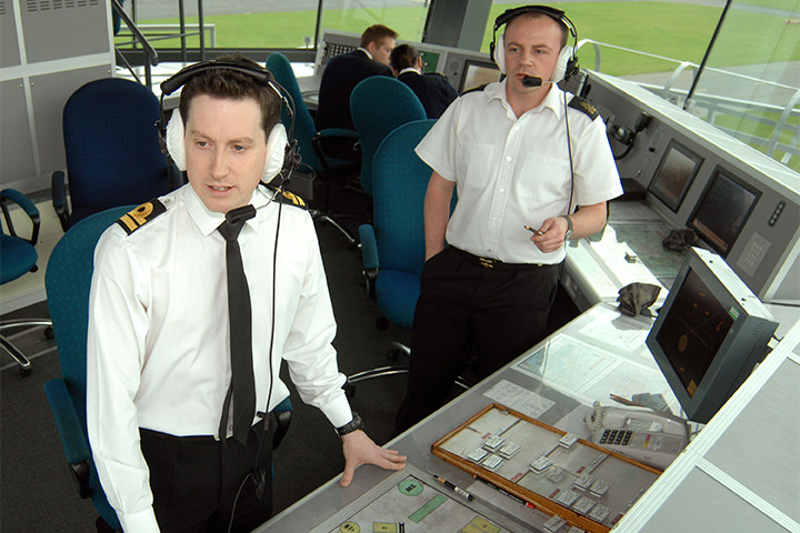 Air traffic controller - Wikipedia