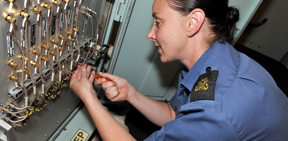Engineering Technician (Weapon Engineering) | Royal Navy Jobs