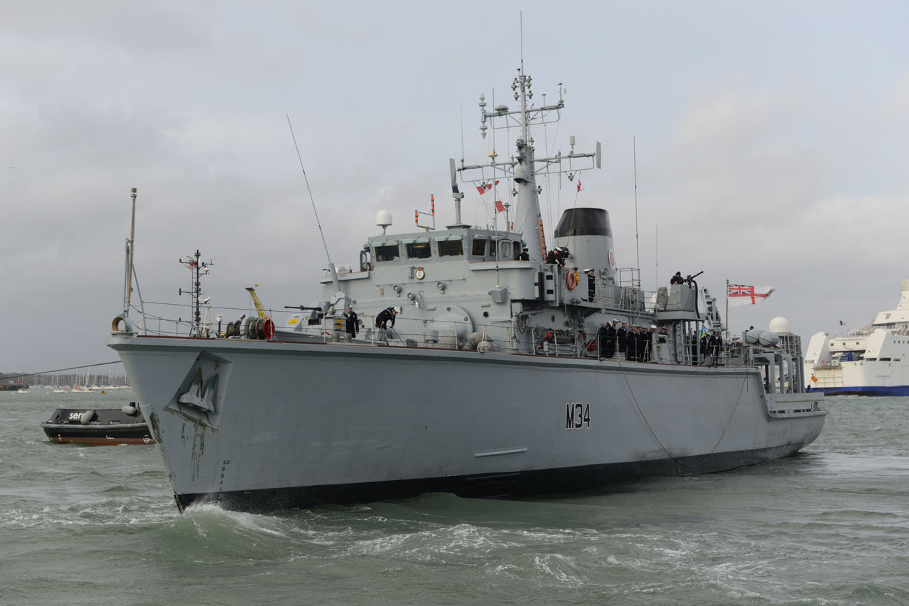 HMS Middleton leaves Portsmouth for three years in the Gulf