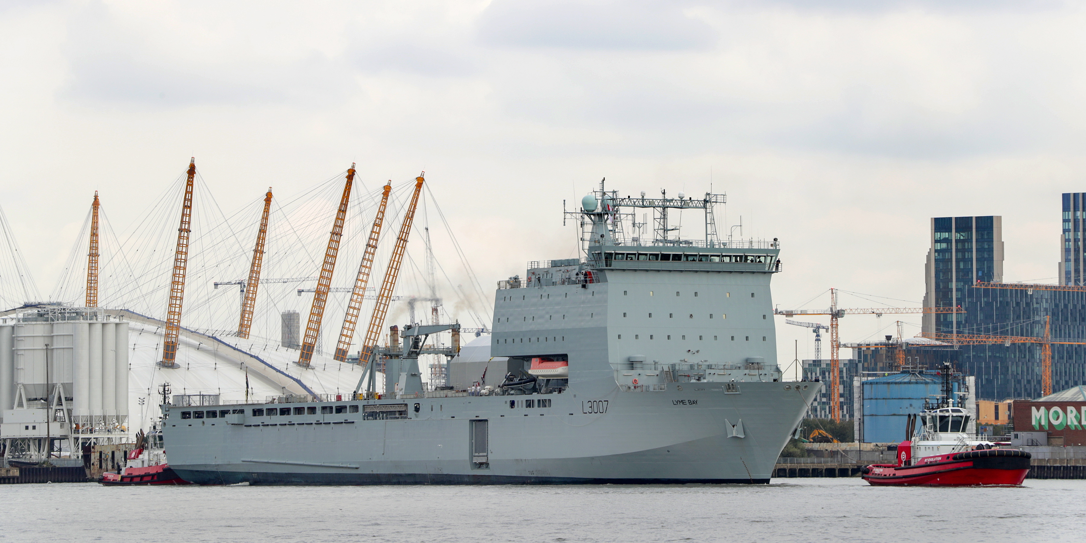 RFA Lyme Bay arrives in London for London International Shipping Week. Picture: LPhot Rory Arnold.