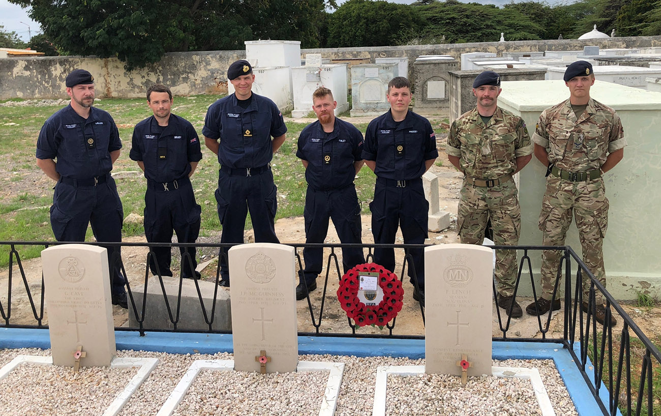 RFA Mounts Bay visits Commonwealth War Graves in Curacao
