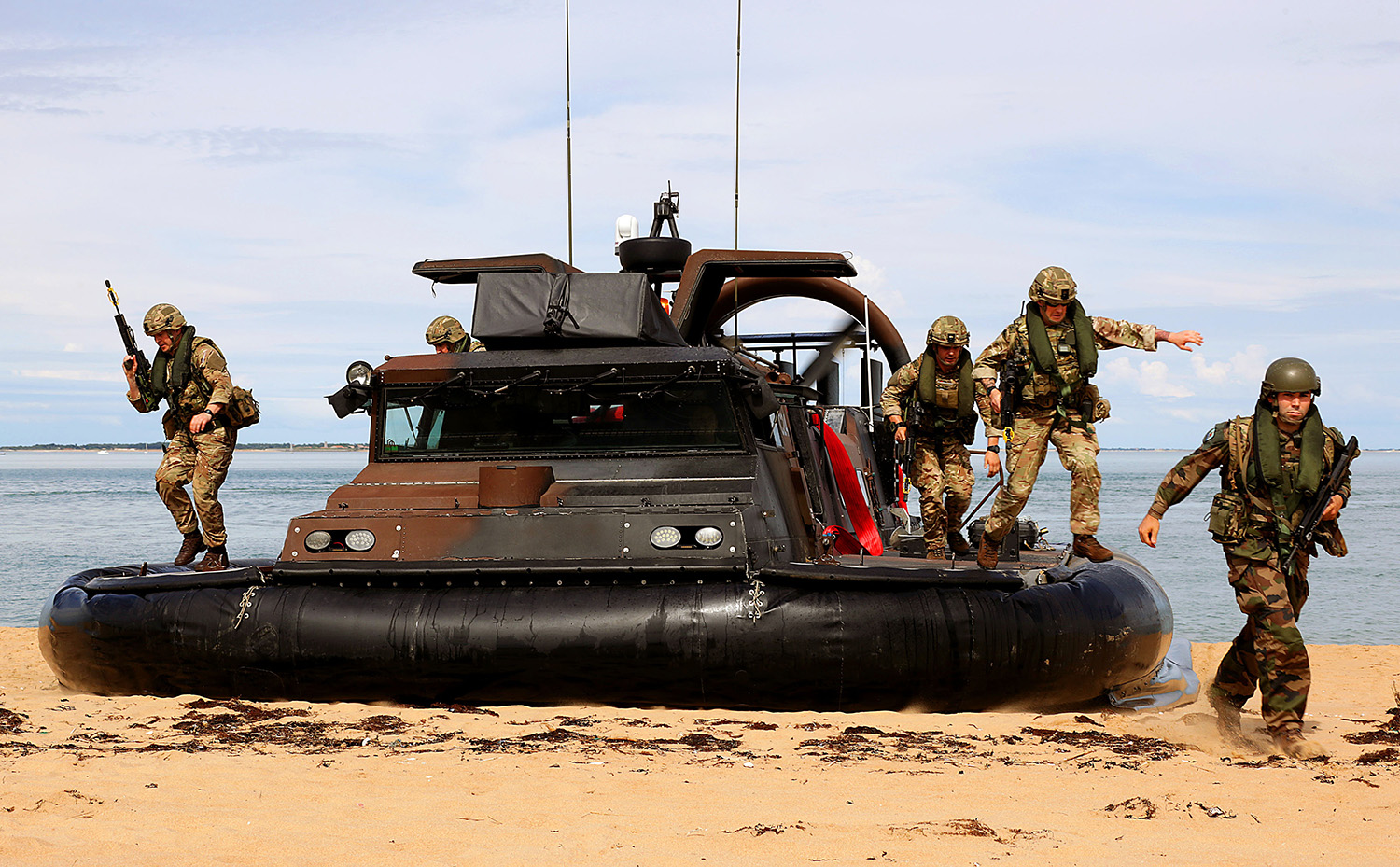 Anglo-French naval forces storm Biscay coast in major amphibious work-out