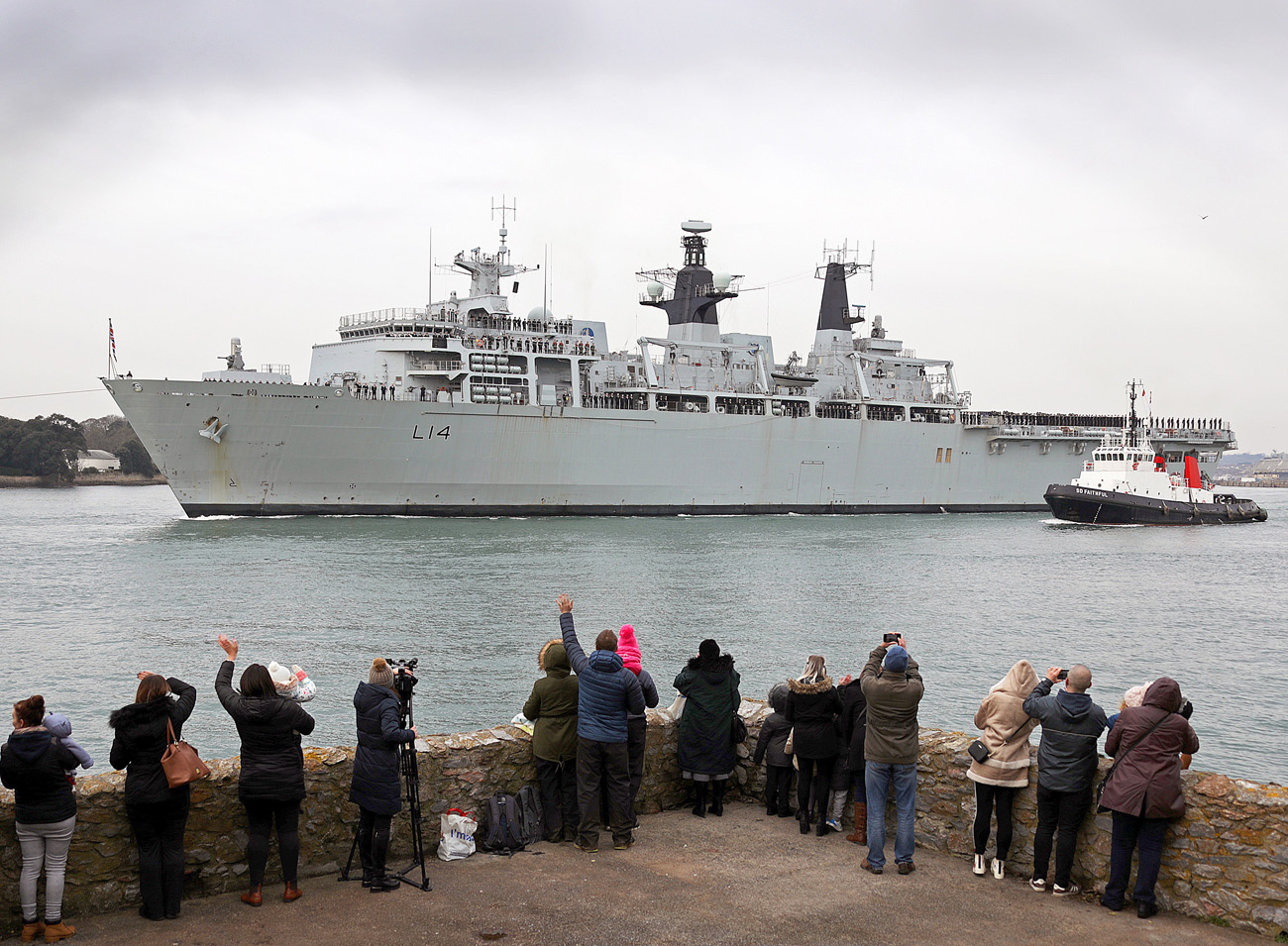 Royal Navy S Assault Ship Sails To Lead Nato Task Group