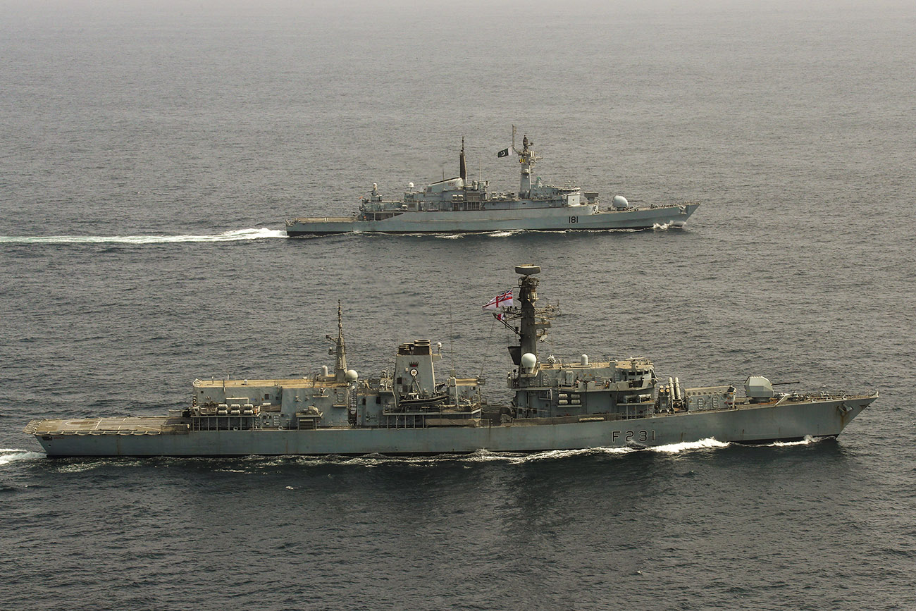 HMS Argyll joins forces with Pakistan warship