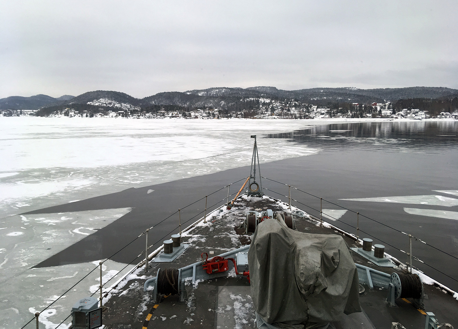 Echoes of WW2 as HMS Cattistock clears mines around Oslo