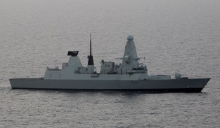 HMS Dauntless arrives in the Middle East