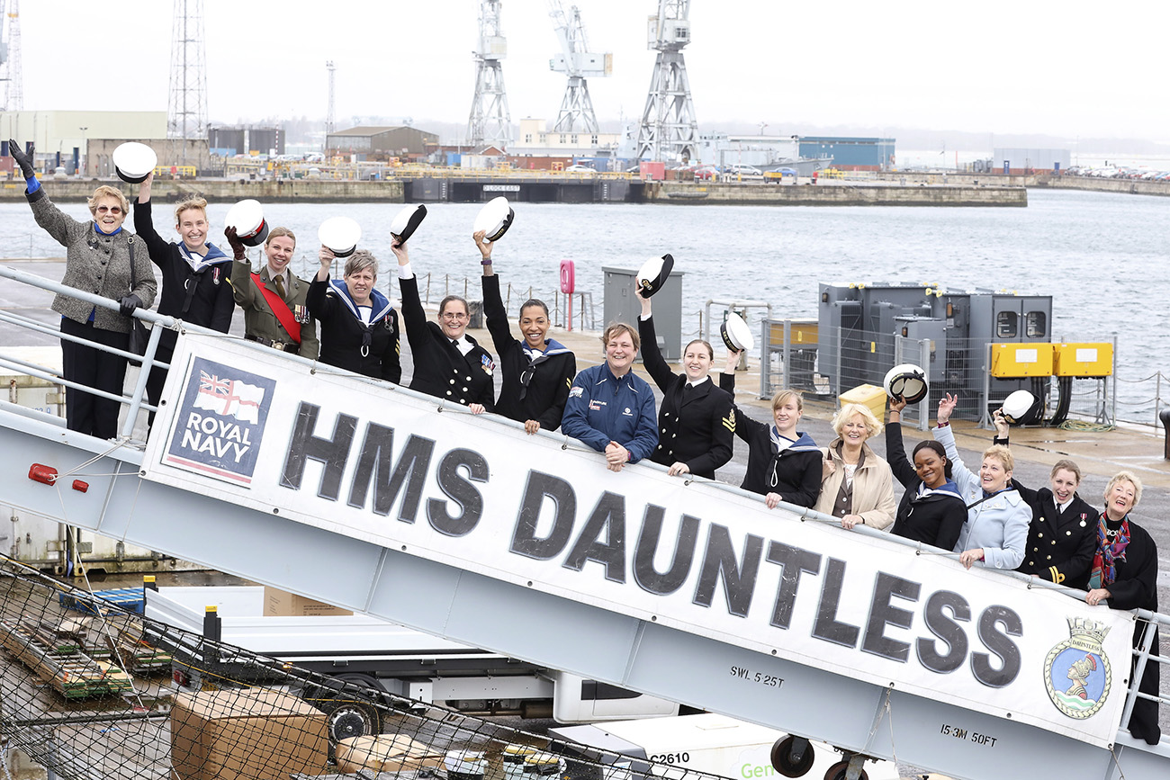 Veteran Wrens visit HMS Dauntless