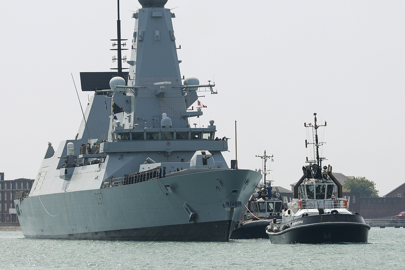 HMS Duncan returns home