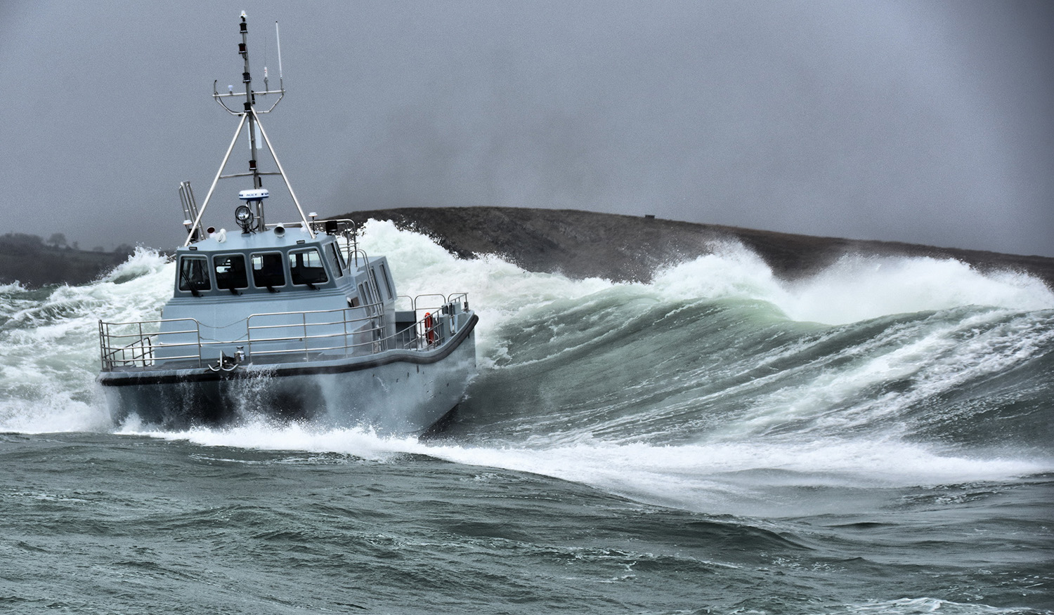 New survey ship HMS Magpie on sea trials