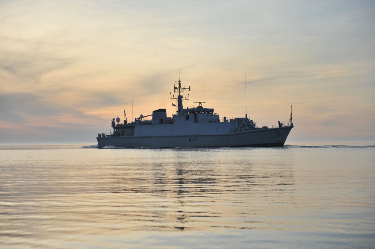 HMS Pembroke tackles Baltic mines during NATO Exercise