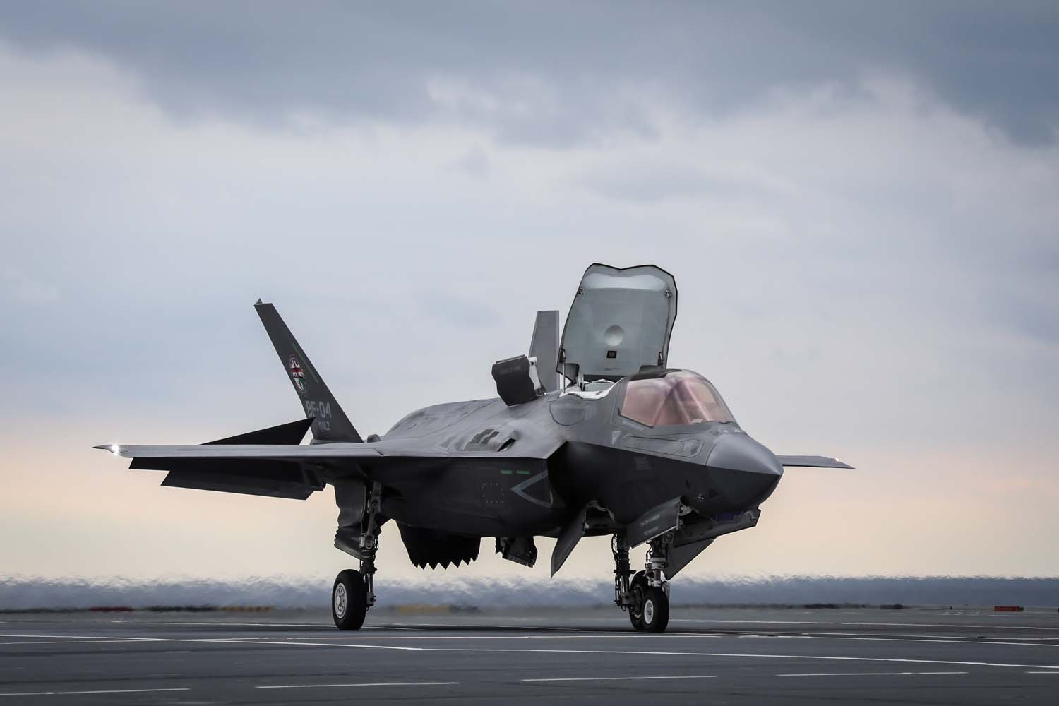 F-35 pilot makes history with revolutionary method of