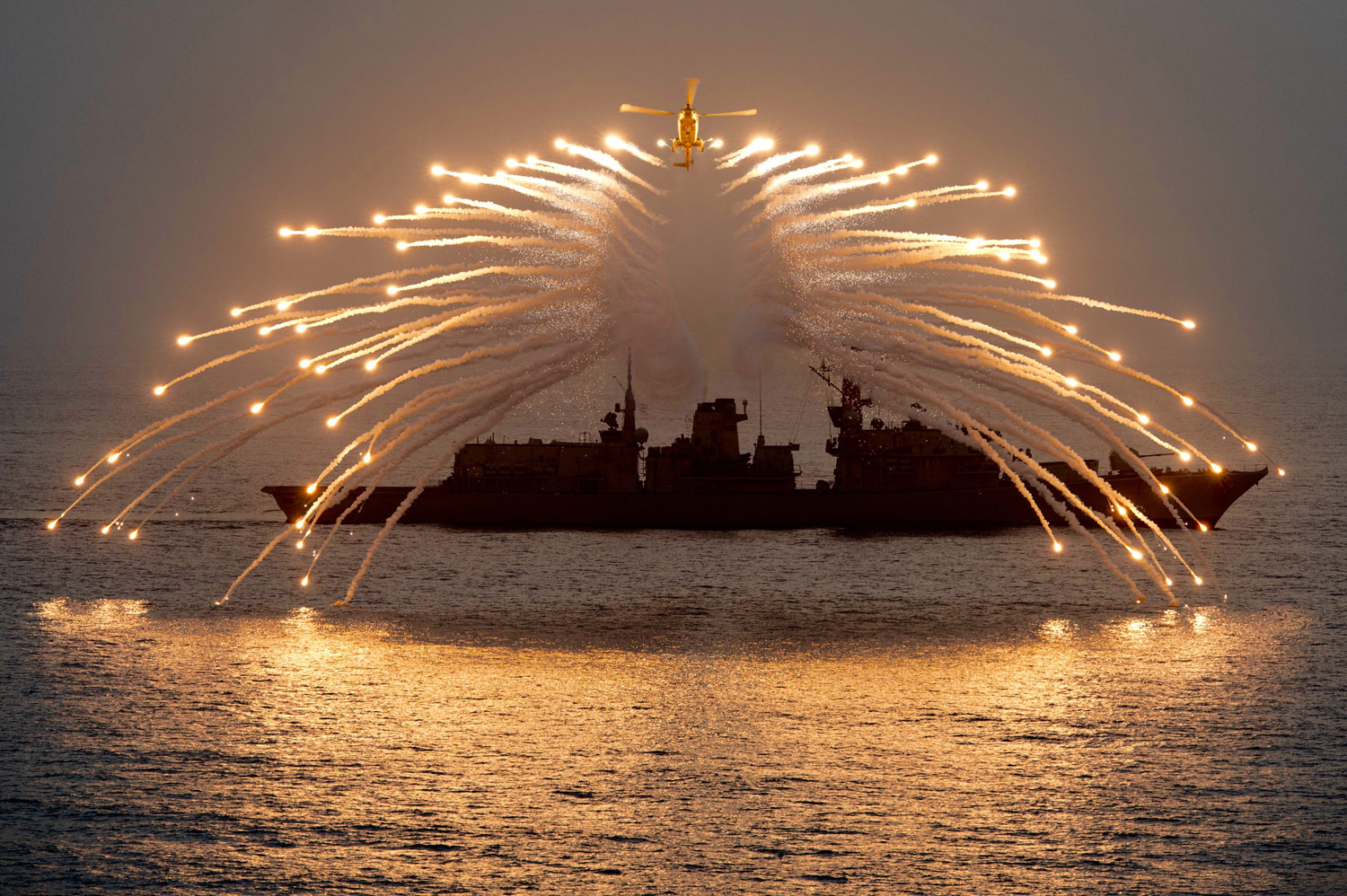 HMS Richmond's Lynx demonstrates flare in Indian Ocean