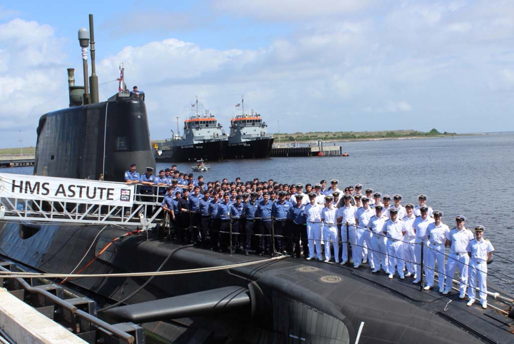 ship's company group shot on the casing during the visit to Kings Bay