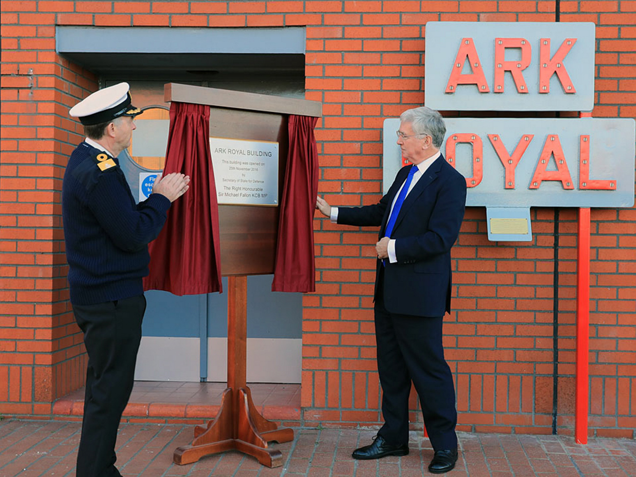 Defence Secretary opens new facilities to support arrival of Queen Elizabeth-class carriers