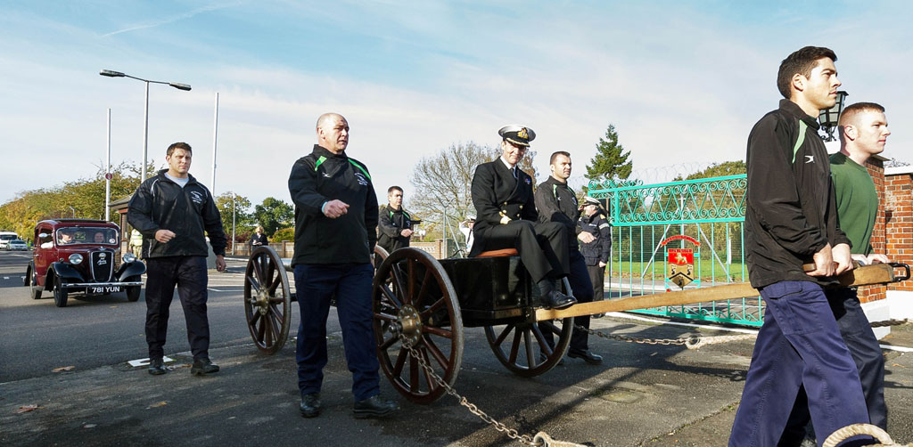 Hms Collingwood Says Goodbye To Commodore Mansergh Royal