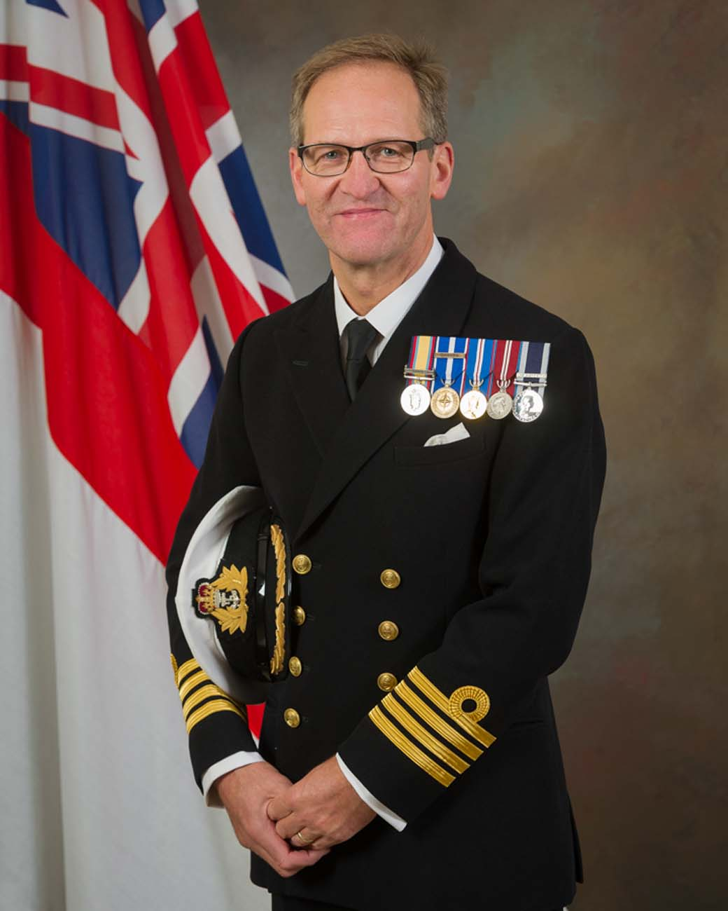 HMS Collingwood welcomes new Commanding Officer | Royal Navy
