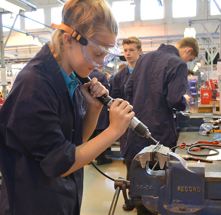 STEM students get hands on with Naval engineering