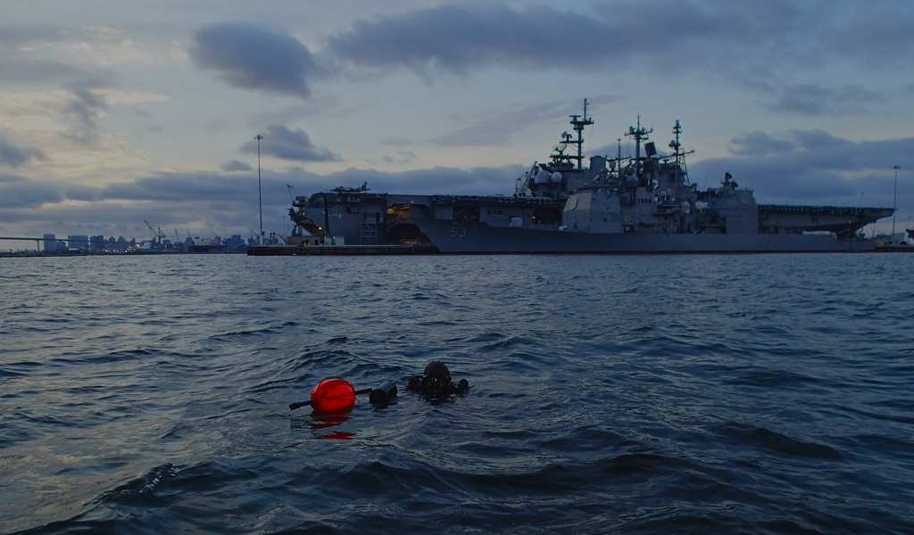Navy Divers on RIMPAC exercise