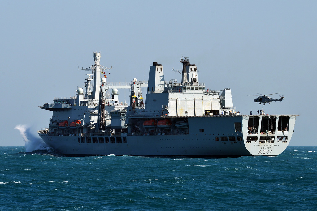 RFA Fort Victoria departs the Gulf