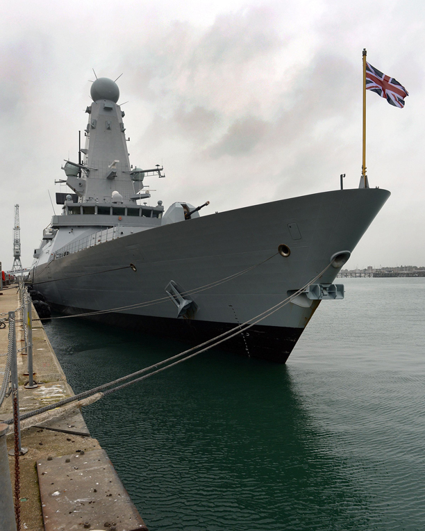 HMS Duncan commissioned
